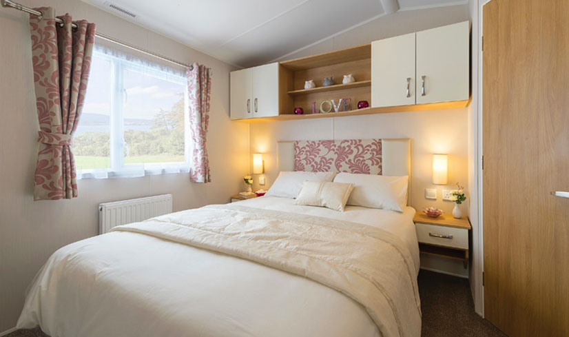 Willerby Sierra 2017 holiday home double bedroom