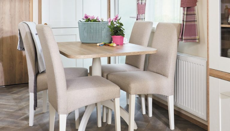dining table in an ABI St. David 2018 holiday home for sale